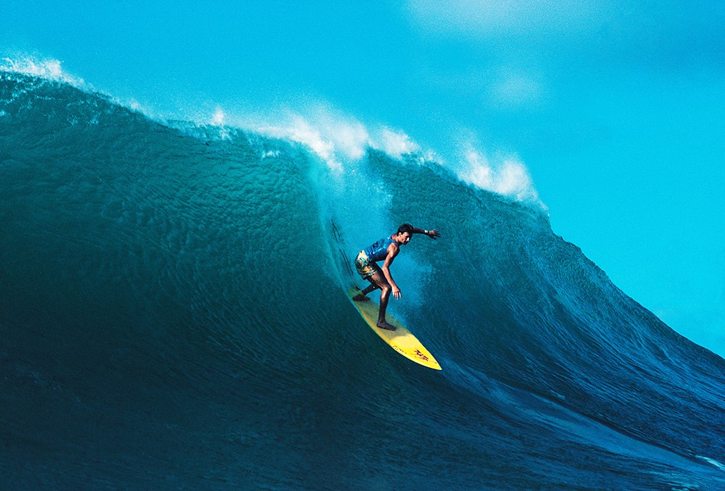 AJX2MM Man surfing. Champion surfer. Barton Lynch,