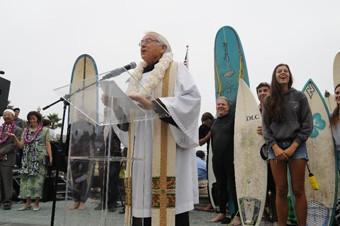 father_mondor_podium